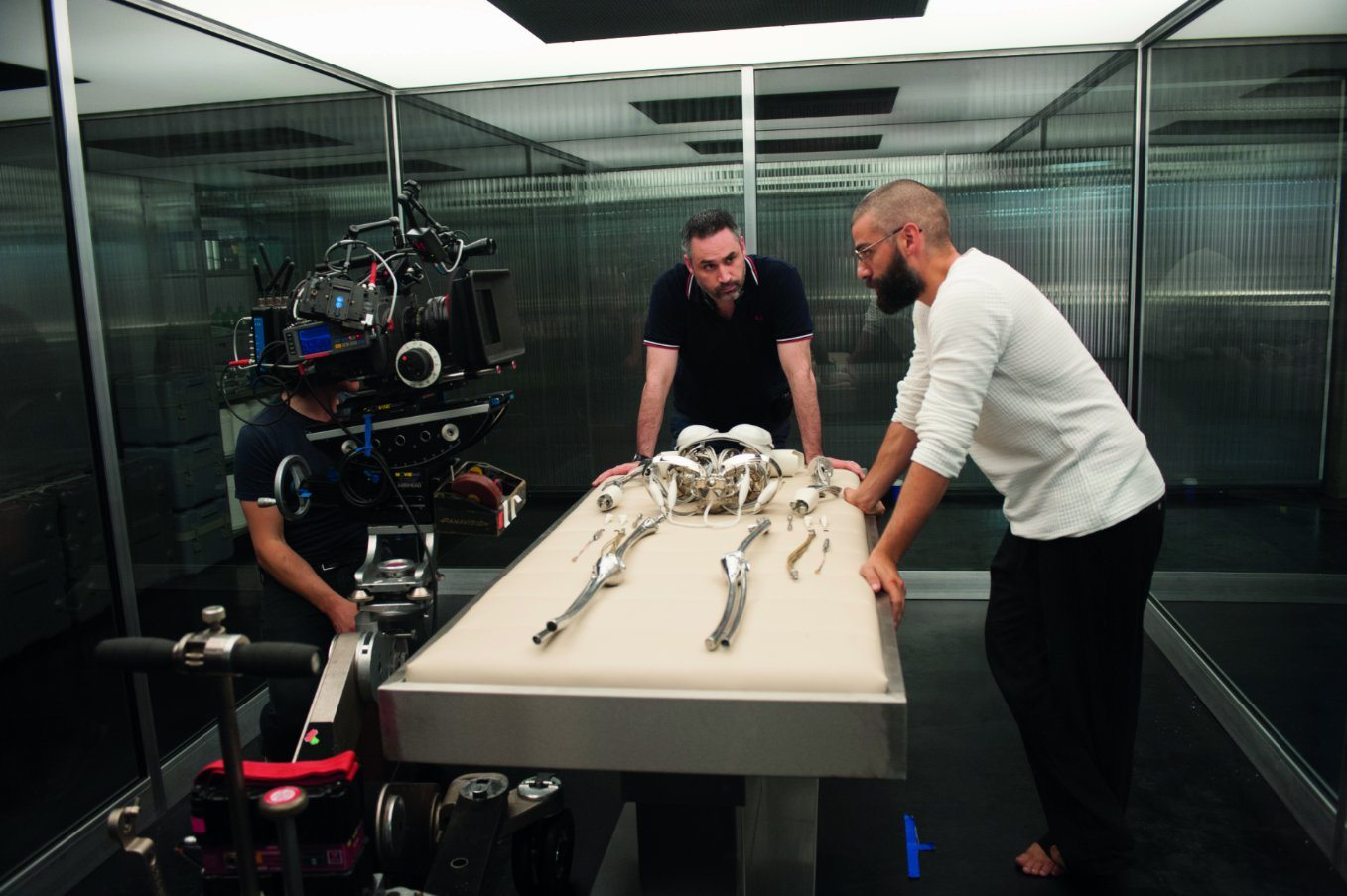 (Ex-Machina, A24, Mongrel Media)