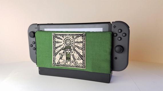 (Nintendo Switch dock with blanket)